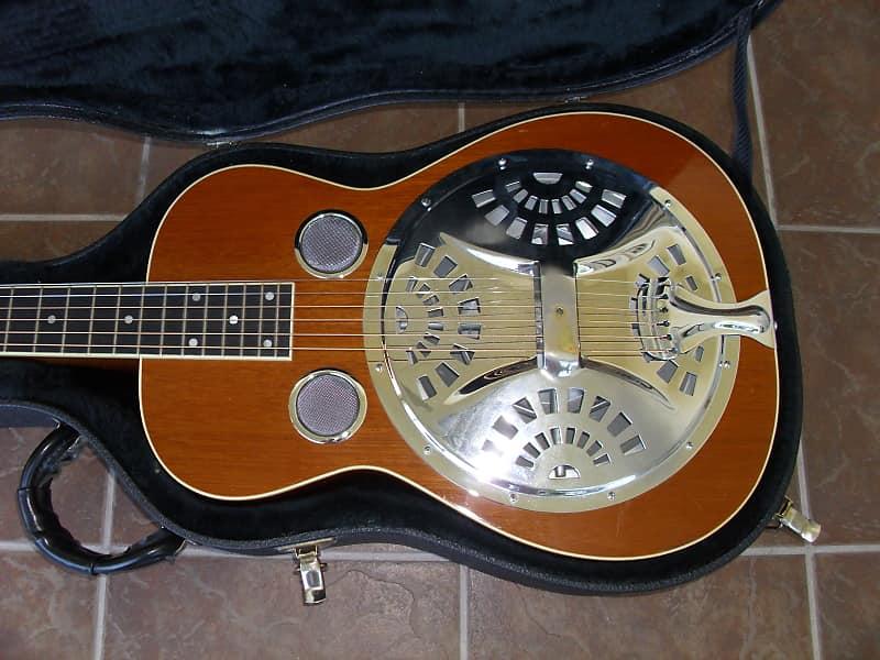 Gibson Dobro Resonator Guitar Jerry Douglas Model Solid Mahogany With Original Case Excellent