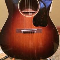 Gibson LG-2 1943 Sunburst image
