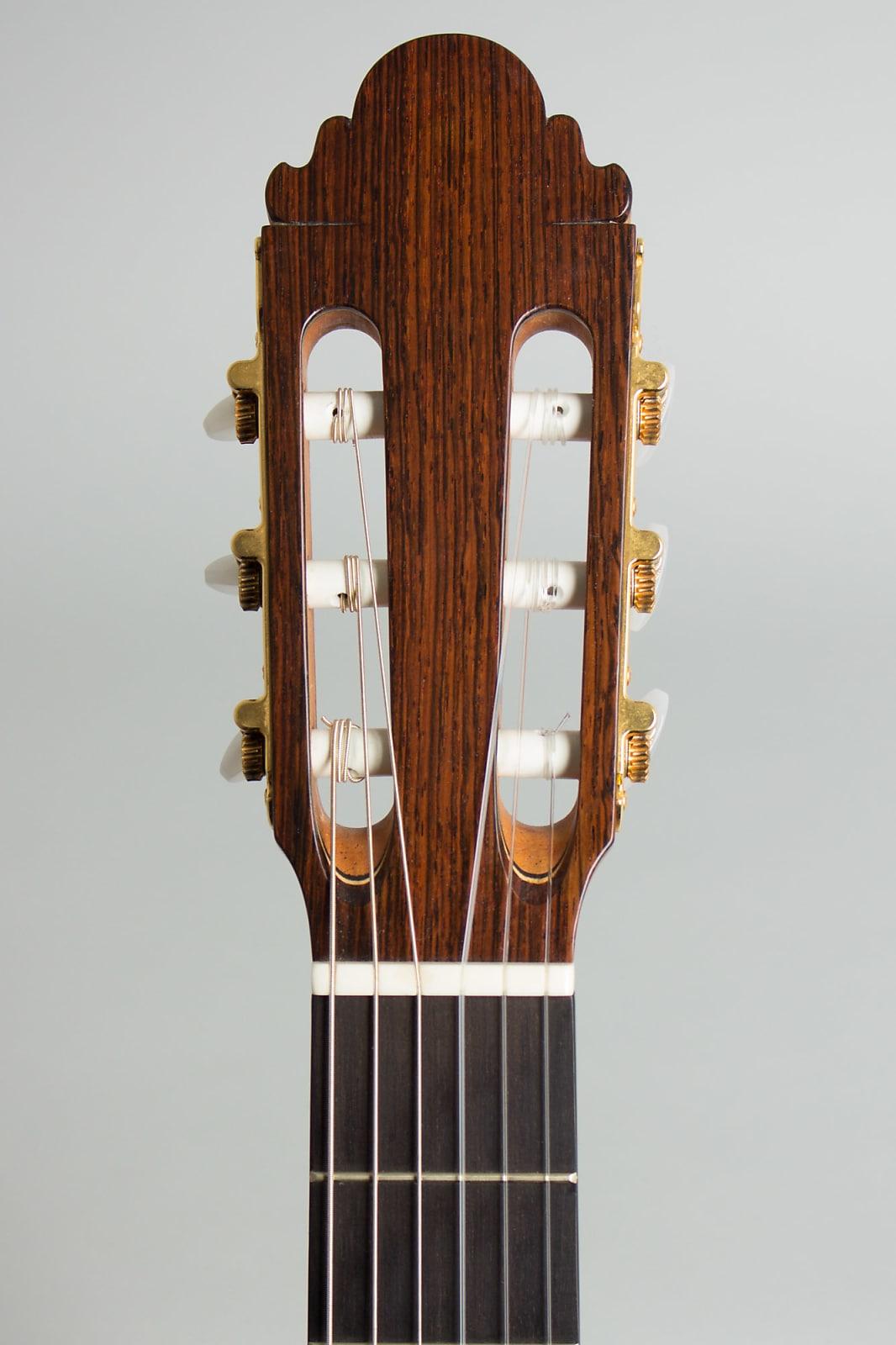Casimiro Lozano  La Rio 1A Classical Guitar (2002), original molded black plastic hard shell case.