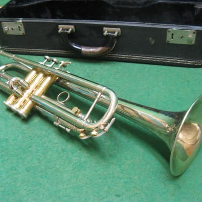 Holton Galaxy Trumpet 1964 with 3rd Slide Lock - Pro Model Refurbished - Case and Holton 67 MP