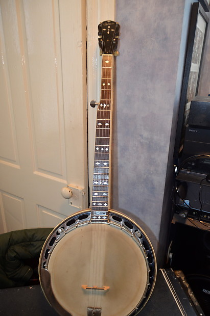 Dating en Gibson Mastertone banjo