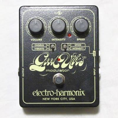 Electro-Harmonix EHX Good Vibes Analog Modulator Guitar Effect Pedal!