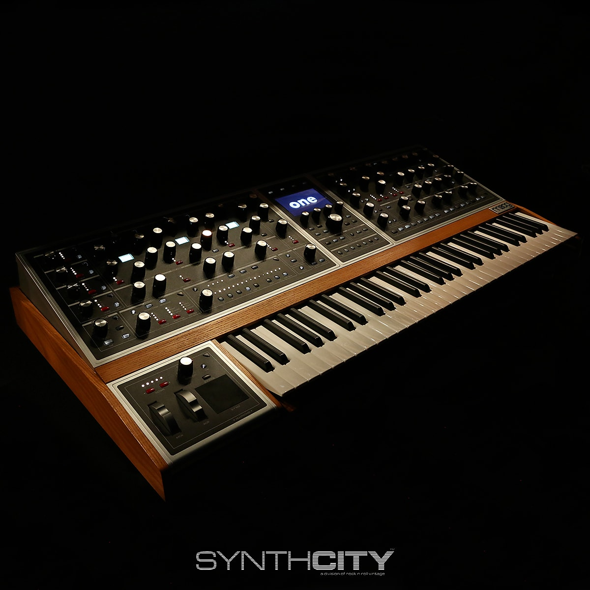 Moog One 8 Voice Polyphonic Analog Synthesizer
