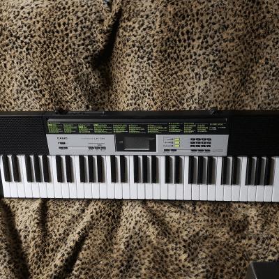 Casio LK-135 61-Key Key-Lighting Keyboard