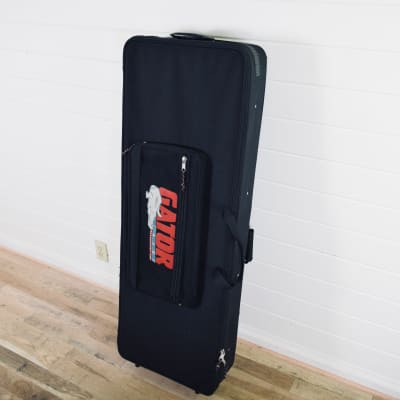 Gator Cases Keyboard Case 76 Note Lightweight Keyboard Case in excellent condition