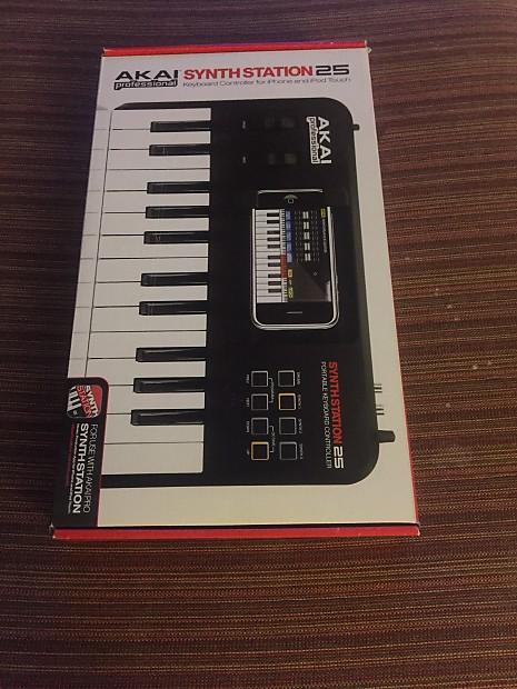 Akai Synth Station 25 Portable Keyboard Controller