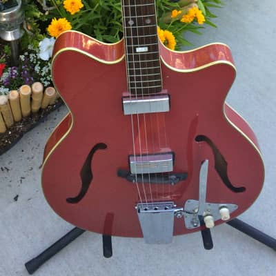 Vintage Japanese Made 1966-67 Guyatone/Teisco/Kent Americana Model 549 Rare Coral Red Repaint for sale