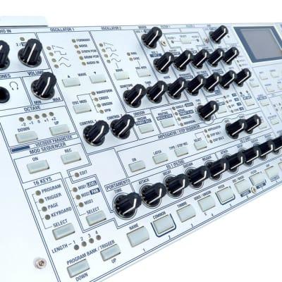 Korg RADIAS Rack Synthesizer Modeling Synthesizer + Vocoder