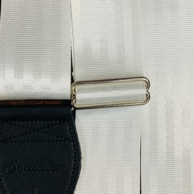 Souldier White and Black Plain Seat Belt Guitar Strap