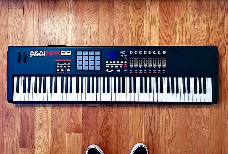 Akai MPK 88 | Pat's Used Gear