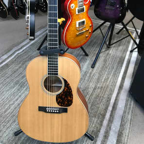 larrivee l 03 mahogany standard acoustic guitars for sale in australia guitar list. Black Bedroom Furniture Sets. Home Design Ideas