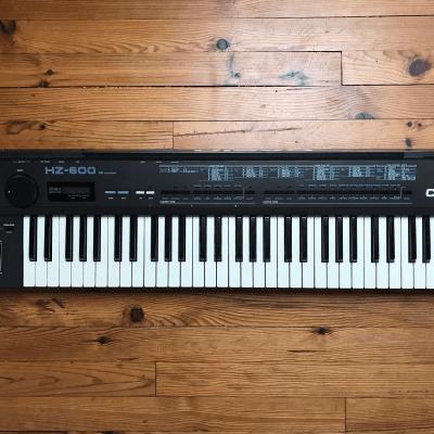 Casio HZ-600 SD 61-Key Synthesizer