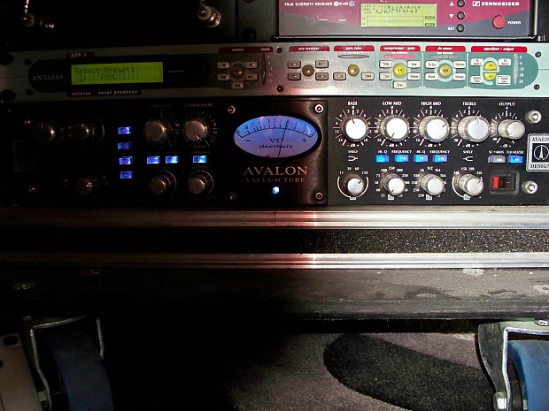 Avalon 737 VT-737sp Microphone Vocal Preamp Black Front 10th Anniversary  Blue LED Version