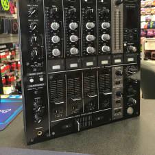 Pioneer  DJ DJM-700 Professional DJ Mixer w/ FX