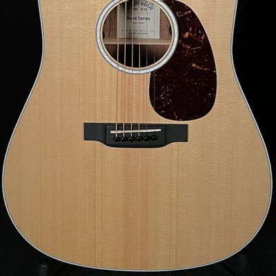 Martin Guitars D-13E Road Series