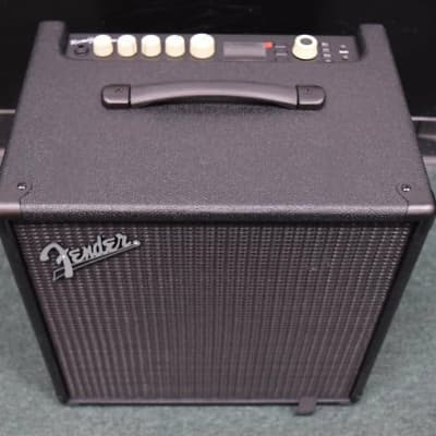 Fender Rumble Studio 40 Combo, Prog. Built in Effects, Tiny Cosmetic Flaw=Save $!