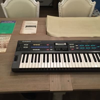Casio CZ-1000 (includes box, manuals, cartridge, and dust cover!)