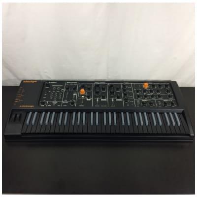 Studiologic Sledge 2 61-Key Black Synthesizer