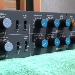Neve 33609 C Stereo Compressor / Limiter
