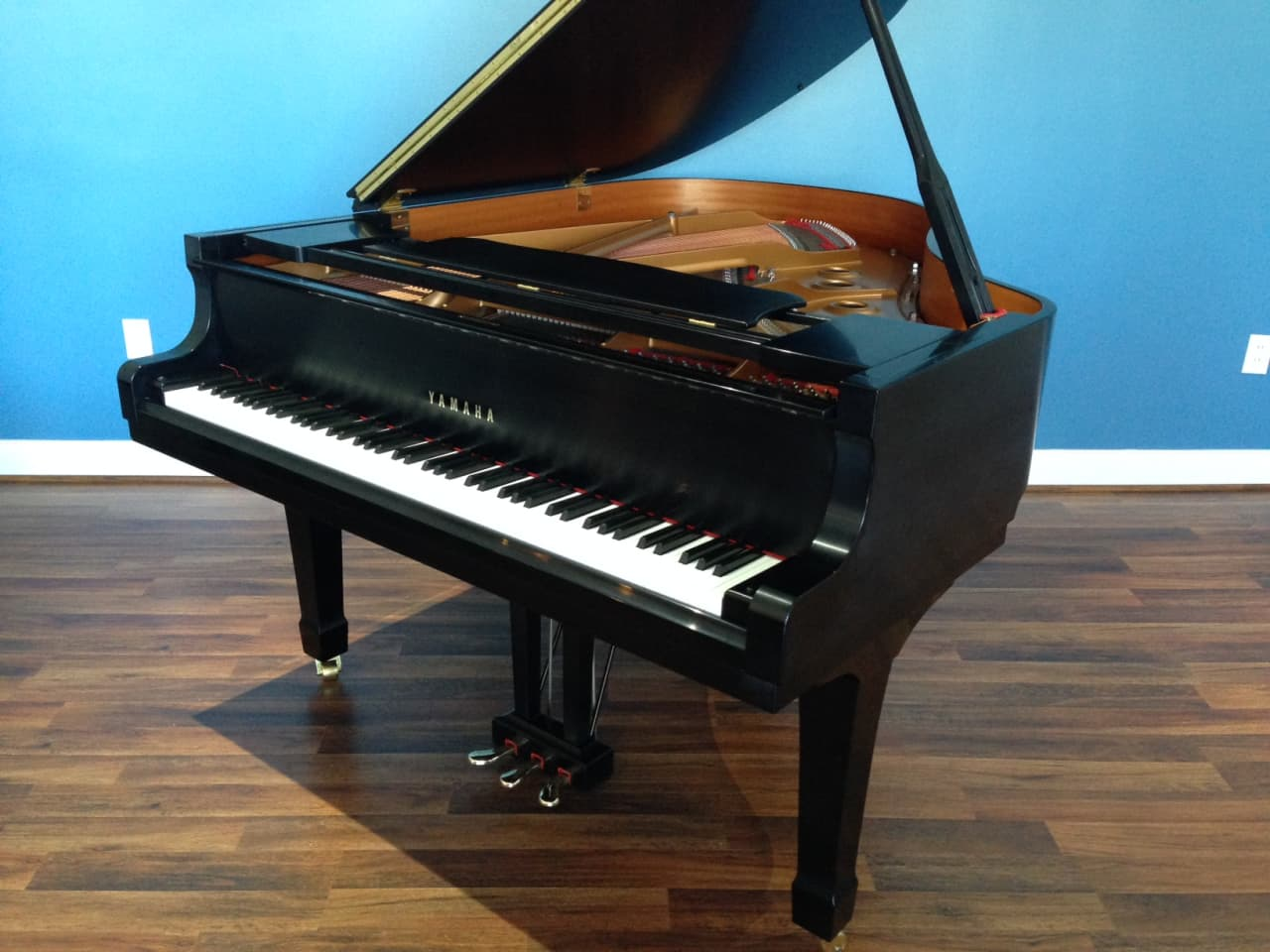 yamaha c2 2000 grand piano reverb. Black Bedroom Furniture Sets. Home Design Ideas