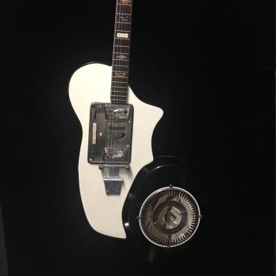 Wandre Bikini 1961 White RARE GUITAR & AMP 1961 Black White for sale
