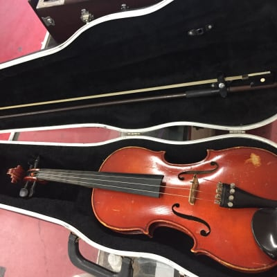 Import  Strasbourg 3/4 Violin Outfit Flamed Maple wood