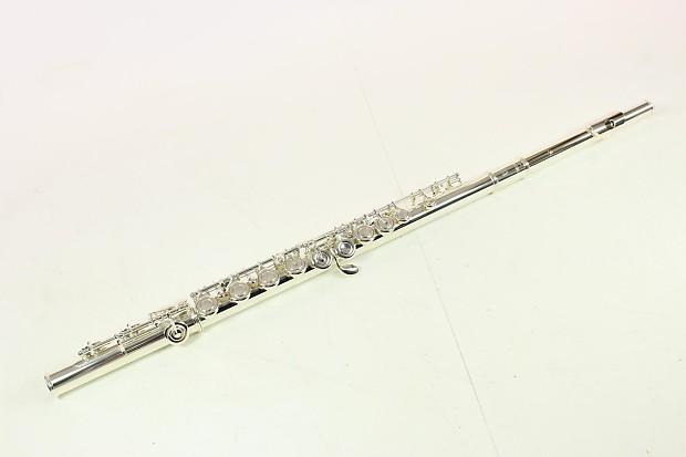 Yamaha yfl 222 student flute mint why rent reverb for Yamaha flute 222
