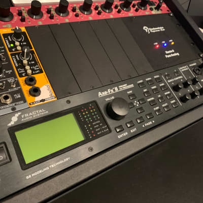 Fractal Audio Axe FX II Preamp/Effects Processor