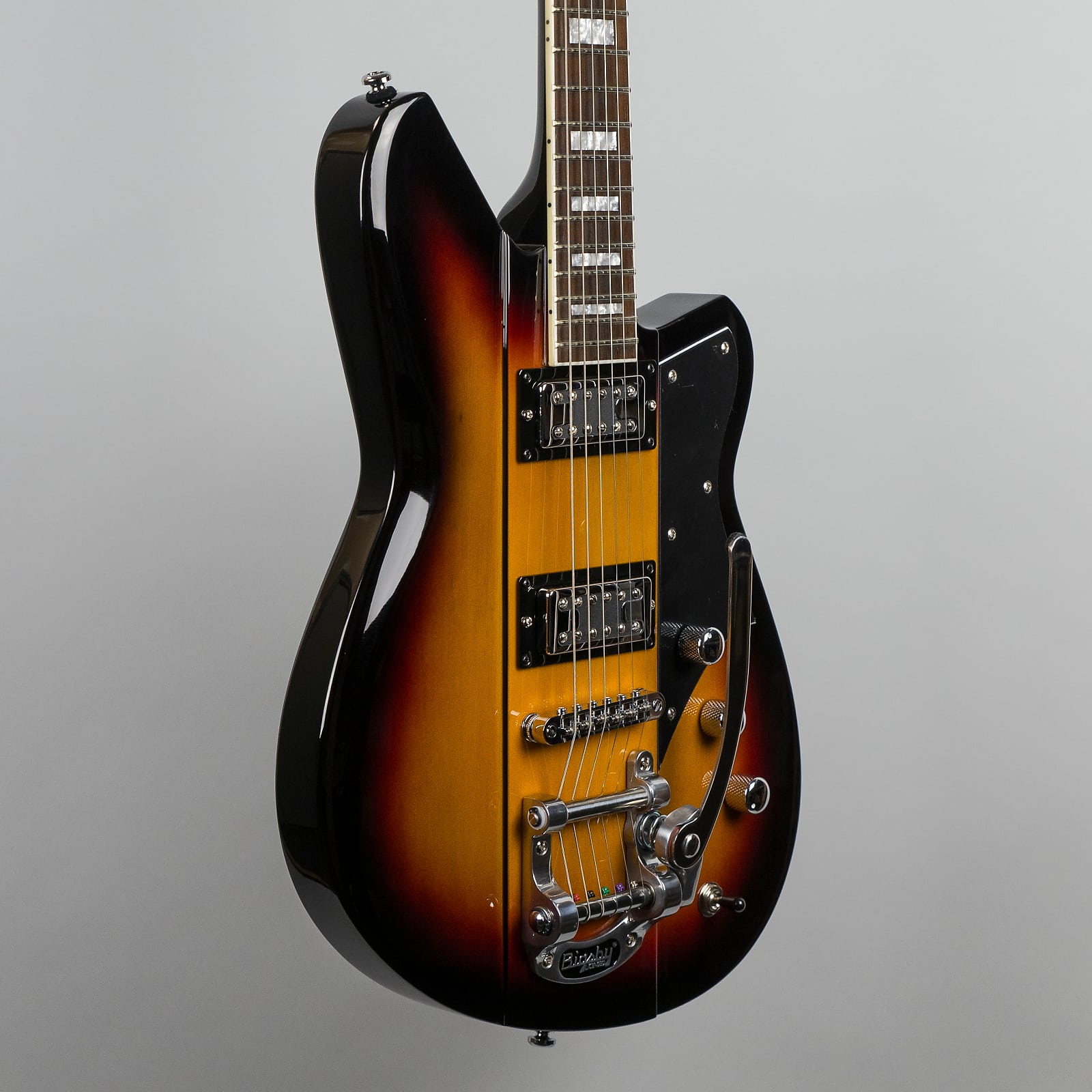 a1f1559431 Reverend Warhawk RT in 3-Tone Burst