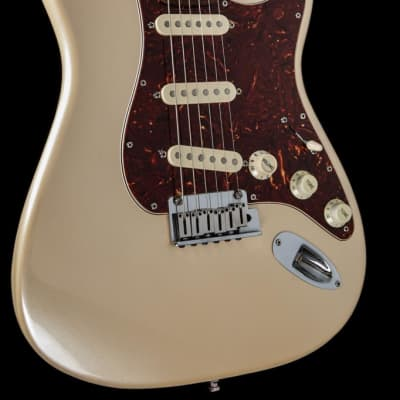 Fender American Deluxe Stratocaster 2007 Pearl for sale