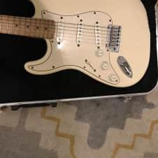 lefty Fender Stratocaster 1989 Olympic White