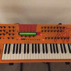 Waldorf Microwave XTk Wavetable Synthesizer