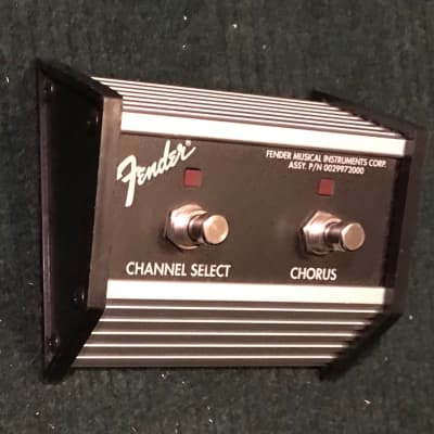 Fender 099-4057-000 Fender Guitar 2-Button Footswitch: Channel/Chorus On/Off Princeton 2004 Silver/B for sale
