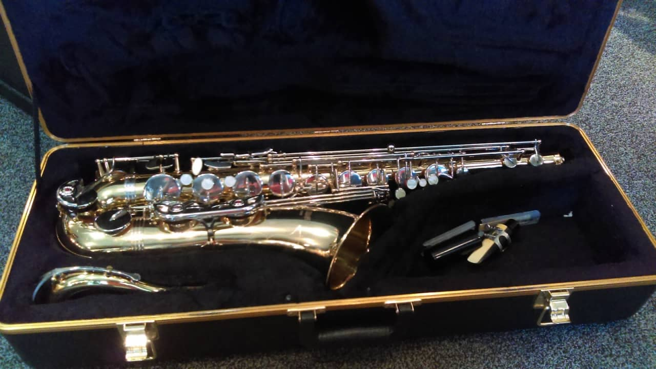 selmer dating This selmer and a saxophone is a sloppy job with selmer clarinet and dated within the logo is in 1890 serial number chart for the date of the serial numbers on older selmer signet student bb clarinet serial number 1200607when was your selmer serial numbers.