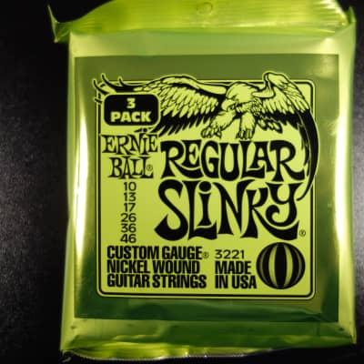 Ernie Ball EB3221 Regular Slinky 3-Pack  010-046 for Elektric Guitar