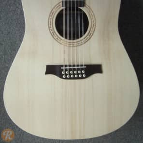 Seagull Excursion Walnut 12 String Natural