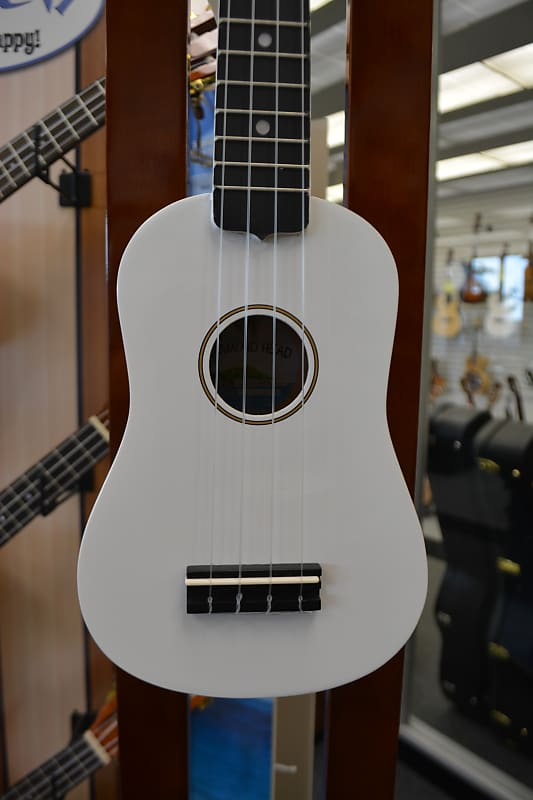 Diamond Head DU-109 Soprano Ukulele - White