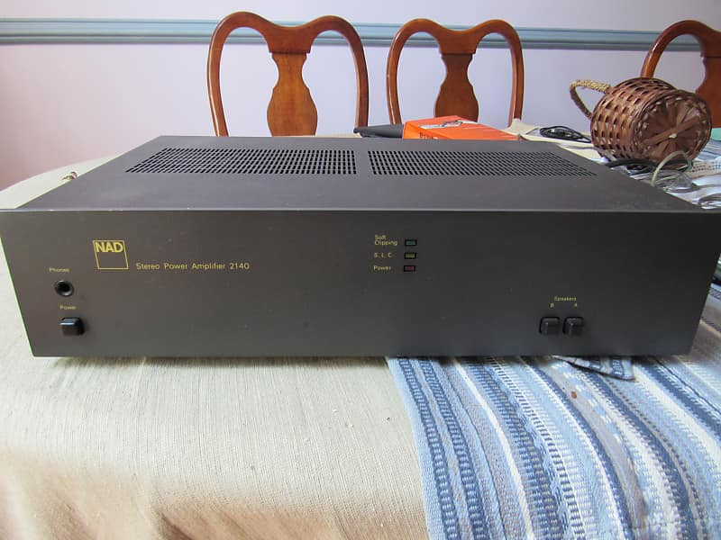 NAD 2140 amplifier in very good condition