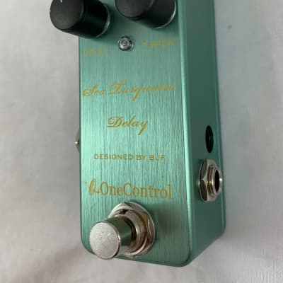One Control Sea Turquoise Delay for sale