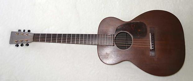Vintage 1933 Martin O-17 Mahogany Pre-War Parlor Guitar, w/Case