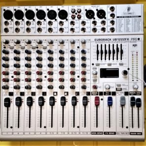 Behringer Eurorack UB1222FX-Pro 16-Input Mic / Line Mixer with Multi-Effects Processor
