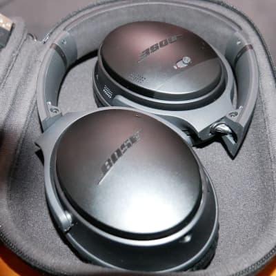 Bose QuietComfort 35 Wireless Headphones II  2020 Black