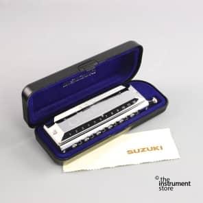 Suzuki SCX-48 Chromatix Chromatic Harmonica, Key of C