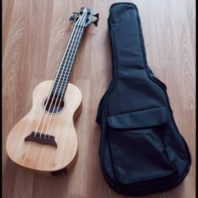 ukulele basso amplificato apc in koa massello... for sale
