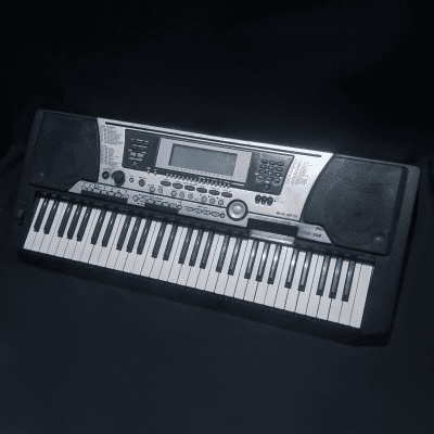 Yamaha PSR-S550 61-Key Arranger Workstation