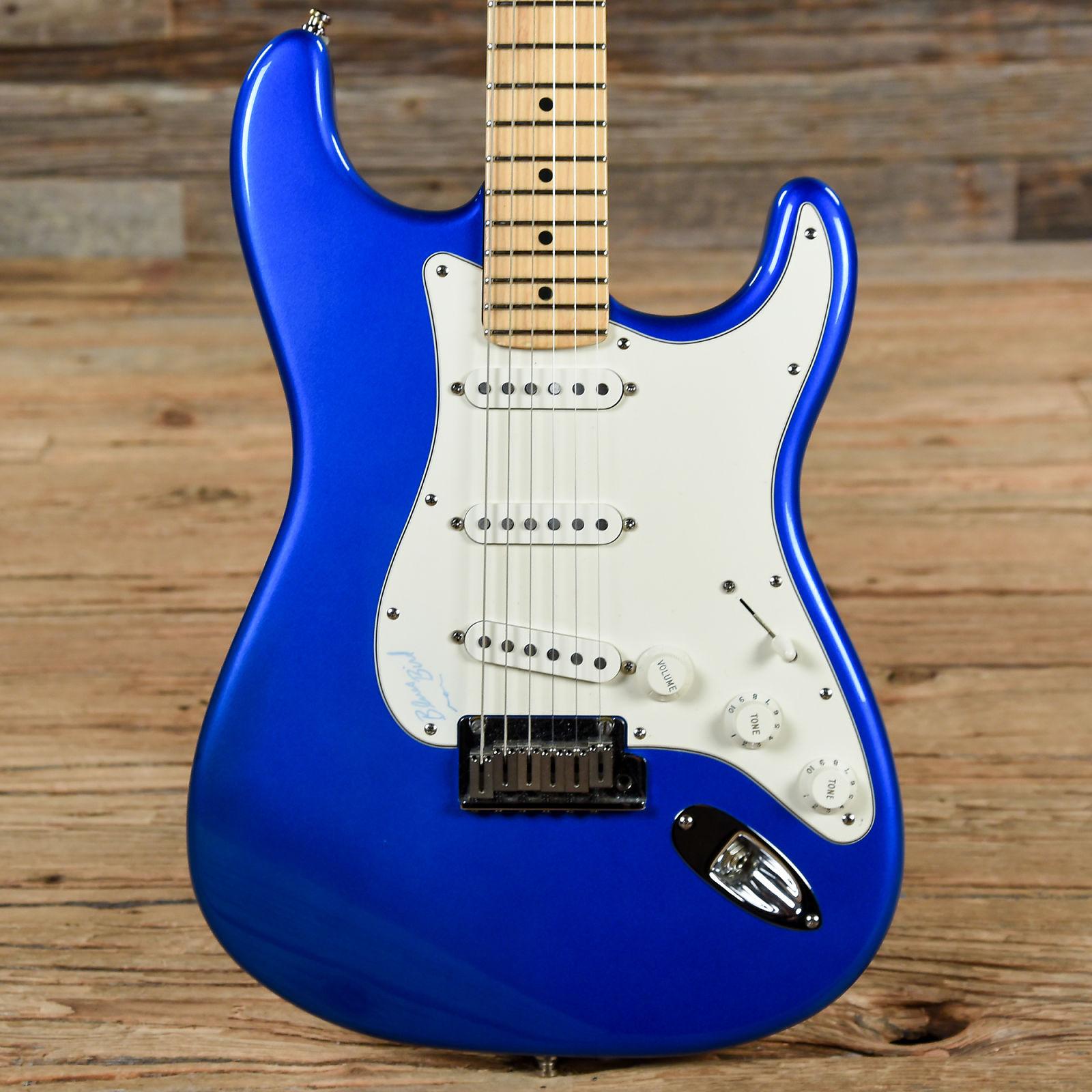 Fender American Standard Stratocaster Metallic Blue 2002 (s945)
