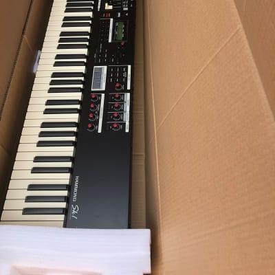 Hammond SK1-88 88-Key Keyboard Piano