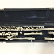 yamaha 211 flute. yamaha yfl-211 flute student closed hole w/curved headjoint used 211