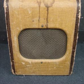Silvertone Model 1341 3-Watt 1x6 Guitar Combo