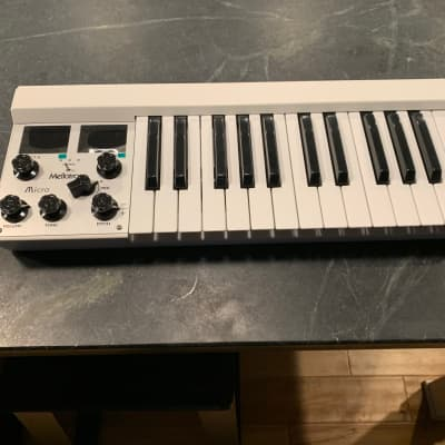 Mellotron M4000D Micro